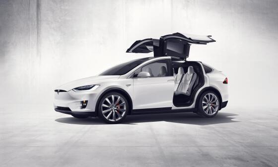 0e0b6bfd4ecd5 Około 11 tysięcy SUV-ów Tesla Model X wyprodukowanych od października 2016  do sierpnia 2017 roku zostanie wycofanych ze sprzedaży.