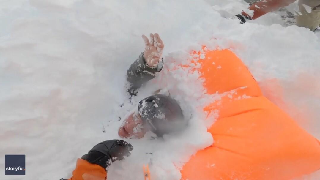 Kobiety przykryła lawina. Niezwykłe nagranie z akcji ratunkowej