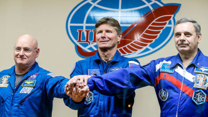 Rozpoczął się eksperyment na ISS.<br />Część astronautów spędzi tam aż rok