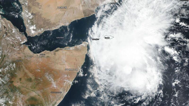 Tak wyglądają chmury kłębiące się nad Somalią (NASA Worldview)