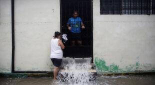 Burza tropikalna Amanda przyniosła ulewne deszcze
