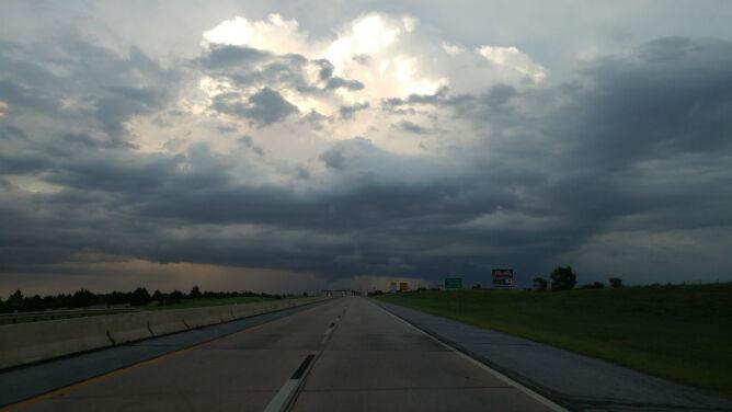 Opady i burze utrudnią jazdę
